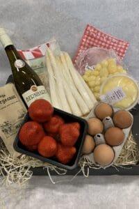 Aspergepakket met wijn en aardbeien